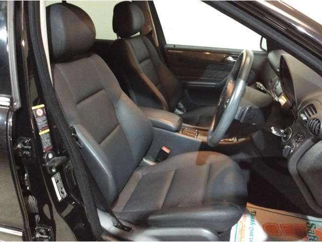 ★フロントシートは電動にて稼働いたしますので、座席の細かな調整をすることができます♪またフロントのみヒートシーターもございます♪