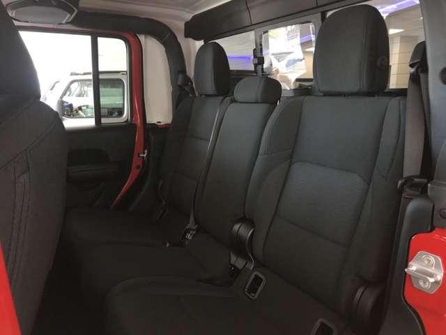 新車並行Jeep/グラディエーター4WD/3.6L・8速A/T・ヒッチメンバー付き/仕様や他のグレード入庫などお気軽にお問合せください! 2020モデルJLラングラー左ハンドルも対応しております。