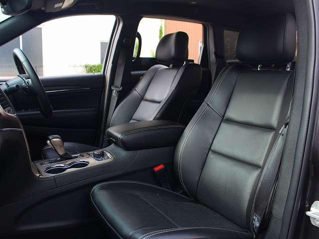 リミテッドグレード以上には、フロントシートにシートヒーターとベンチレーテッドが完備されております。