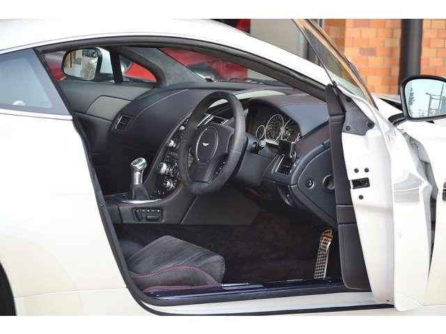 アストンマーティンV12ヴァンテージ5.9D車 6速MT カーボンブレーキ東京都の詳細画像その6