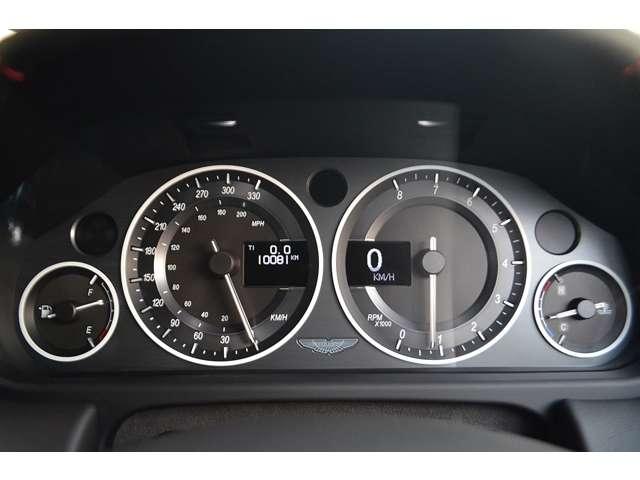 アストンマーティンV12ヴァンテージ5.9D車 6速MT カーボンブレーキ東京都の詳細画像その8