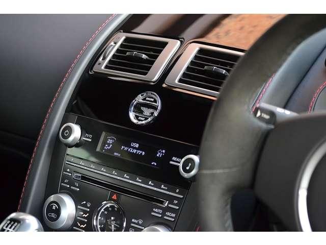 アストンマーティンV12ヴァンテージ5.9D車 6速MT カーボンブレーキ東京都の詳細画像その9
