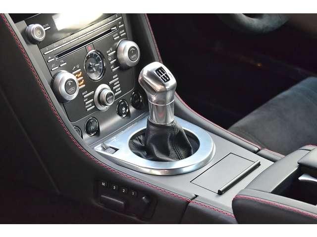 アストンマーティンV12ヴァンテージ5.9D車 6速MT カーボンブレーキ東京都の詳細画像その10