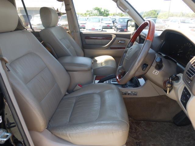 トヨタ ランドクルーザーシグナス 4.7 4WD 中古車在庫画像3