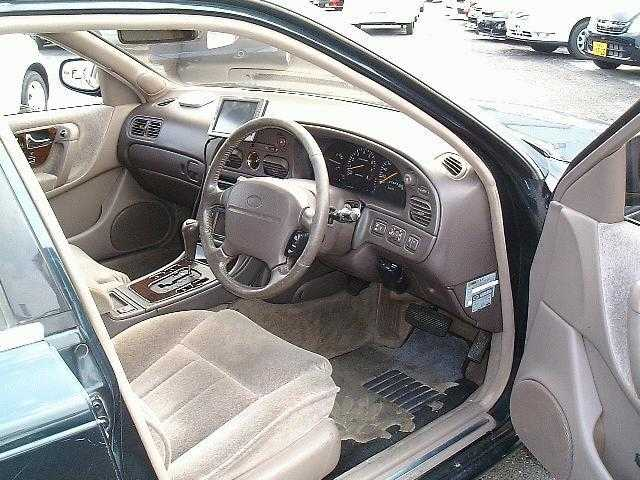 日産インフィニティQ454.5 タイプV 油圧アクティブサスペンション装着車愛媛県の詳細画像その3