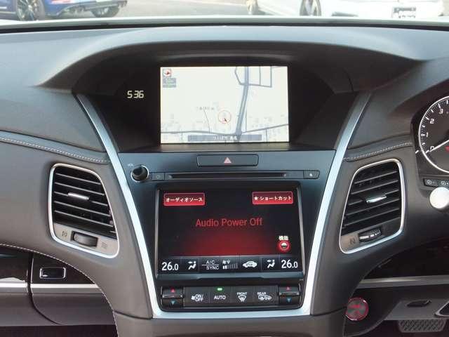 Hondaインターナビ+オンデマンド・マルチユース・ディスプレー。ナビだけでなく、オーディオ/エアコン/電話などの操作において、目的の操作に必要なボタンのみを大きくシンプルに表示します。