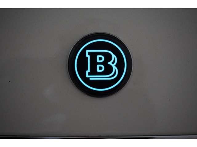 BRABUS タイプF 鍛造21インチアルミホイールタイヤはミシュラン・パイロットスポーツ4S255/30ZR21295/25ZR21ハーマンカードン・サウンドシステムパノラマガラスサンルーフ純正HDDナビ