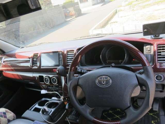 トヨタ ハイエースバン 3.0 スーパーGL ロング ディーゼルターボ 中古車在庫画像7
