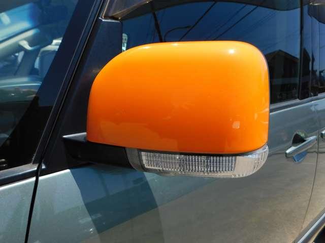 ★ミラーとフォグ周りのオレンジ色オシャレですねー!