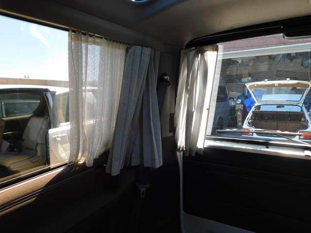 ★後席にカーテンがあるので紫外線から守ってくれます!