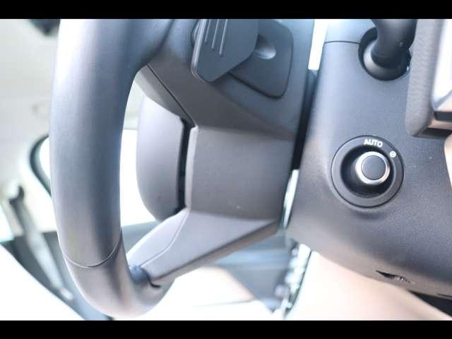 電動でハンドル調整ができます。チルト、テレスコピックの調整が可能。ハンドル位置はずれがなくお好みのポディションを提供してくれます。