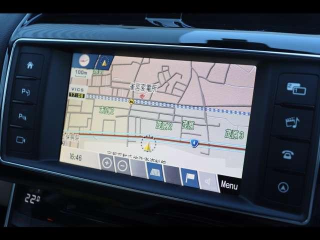 純正ナビゲーション。デジタルテレビ(12Seg)に対応し、Bluetoothオーディオへの接続も可能です!