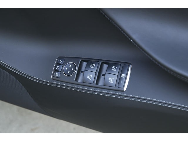 テスラモデルS90D Autopilot ブラックレザーアルカンターラルーフ アンビエントライト愛知県の詳細画像その13