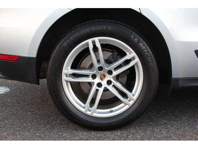 タイヤは、ミシュランF235/55R19・R255/50R19!