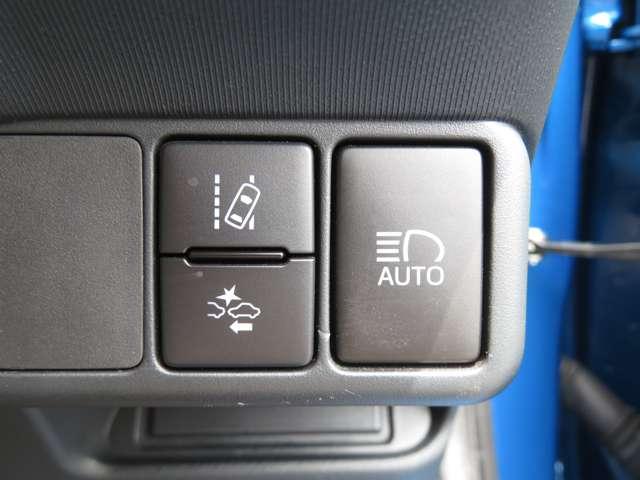 衝突軽減ブレーキや車線逸脱防止など安全装備充実!