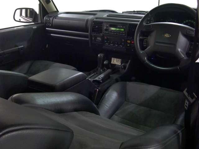 黒本革/バックスキンコンビシート 3列7人乗りシートレイアウト 電動ダブルガラスサンルーフ 純正オーディオ&CDチェンジャー SRSエアバック ABS etc・・・