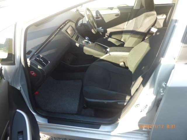 トヨタ プリウス 1.8 L 中古車在庫画像11
