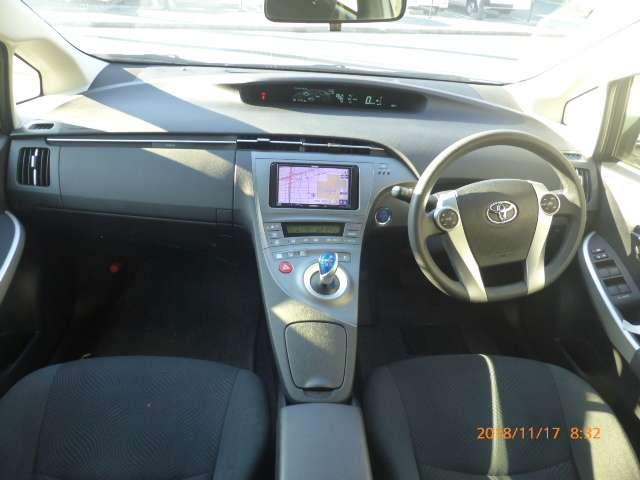 トヨタ プリウス 1.8 L 中古車在庫画像13