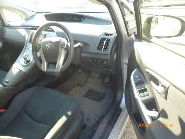 トヨタ プリウス 1.8 L 中古車在庫画像14