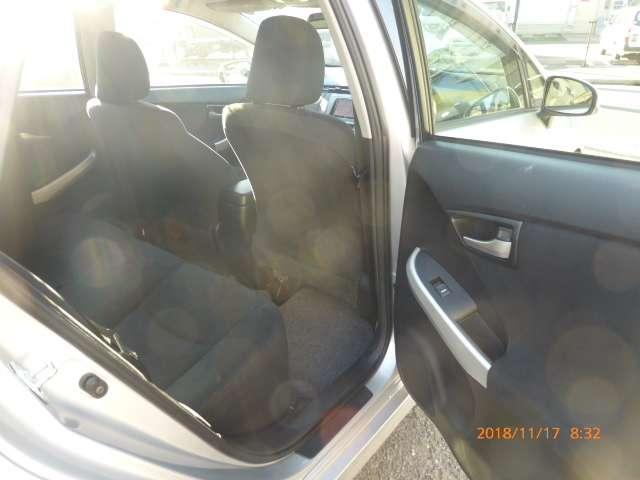 トヨタ プリウス 1.8 L 中古車在庫画像15