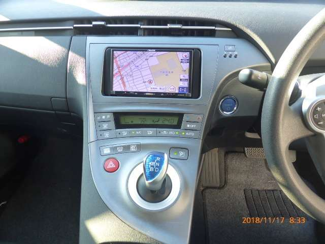 トヨタ プリウス 1.8 L 中古車在庫画像18