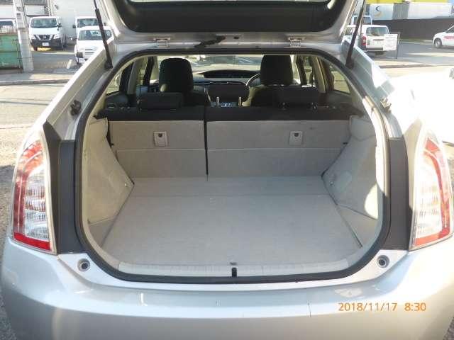 トヨタ プリウス 1.8 L 中古車在庫画像8