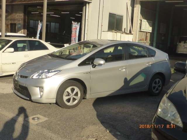 トヨタ プリウス 1.8 L 中古車在庫画像10