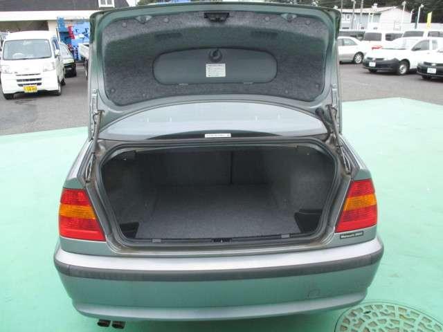 BMW 3シリーズ 320i 中古車在庫画像19