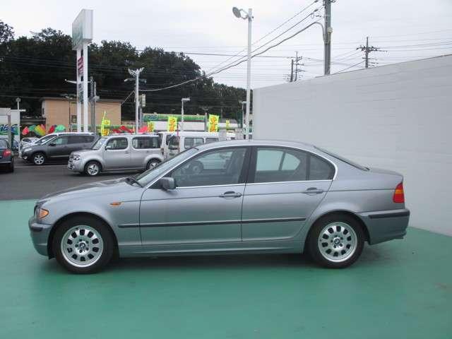 BMW 3シリーズ 320i 中古車在庫画像3