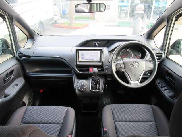 トヨタ ヴォクシー 2.0 X ウェルキャブ スロープタイプI 車いす2脚仕様車 中古車在庫画像3