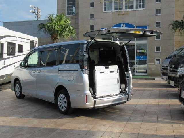 トヨタ ヴォクシー 2.0 X ウェルキャブ スロープタイプI 車いす2脚仕様車 中古車在庫画像7