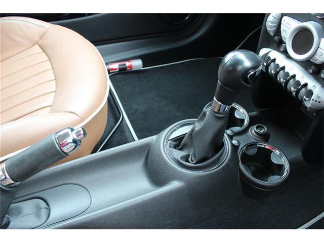 専門のスタッフがお客様の要望に合わせて愛車をデザインします♪ポップなイメージや、クールなイメージ…なんでもお申し付けください!ホームページもご覧ください♪新着在庫情報も多数!www.carbic.jp/