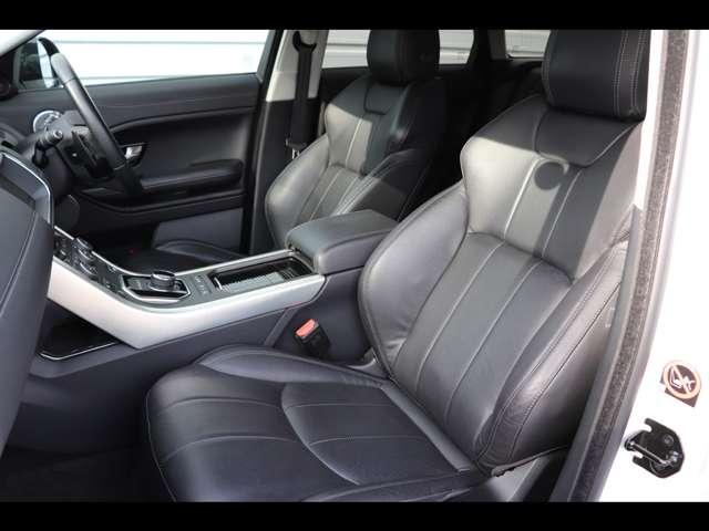 ドライバーだけでなく乗る人のことを考えて設計されたシートは疲れを最小限に軽減してくれます。