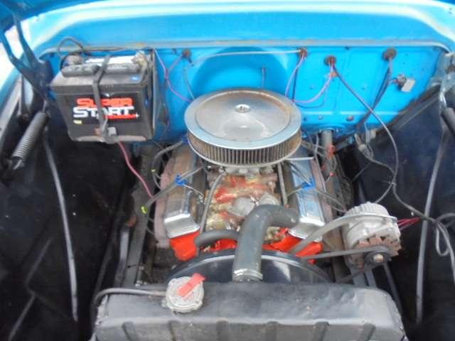 排気量4630cc V8エンジン283