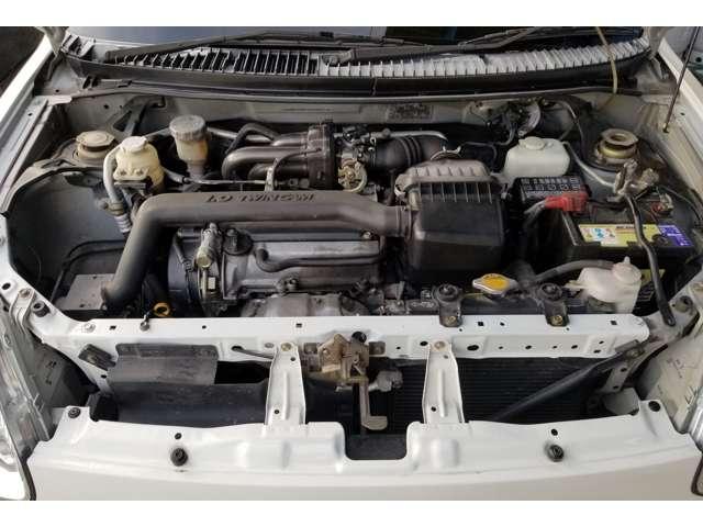 エンジンルームになります!最近新品にて、ファンベルト一式とサーモスタットとワコーズのエンジンオイルと添加剤にて、フラッシングしました!エンジンの異音等も無く、オイル漏れなども、ほぼ見つかりませんよ!!