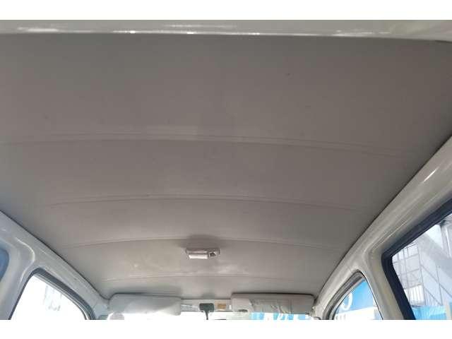 天井もご覧下さい!天井の状態は傷や、破れ、汚れ等もほぼ無く、もちろん天井の垂れ等もございませんので是非・お客様の目で見て確かめて下さいね!!