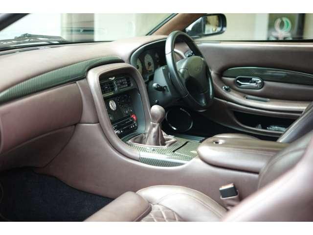 カーボンインテリアトリム。 Aston Martin DB7 Zagato 世界限定99台(008/099)