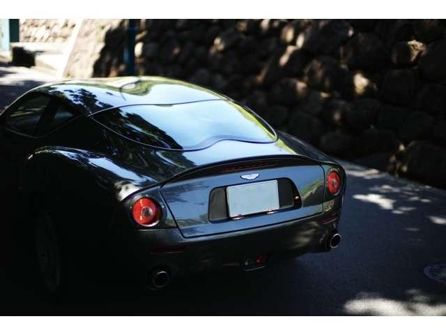リアガラスも独特なデザイン。 Aston Martin DB7 Zagato 世界限定99台(008/099)