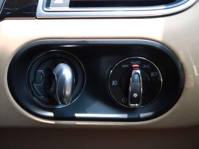 ポルシェエントリー&ドライブシステム搭載でキーを差し込む必要がありません。