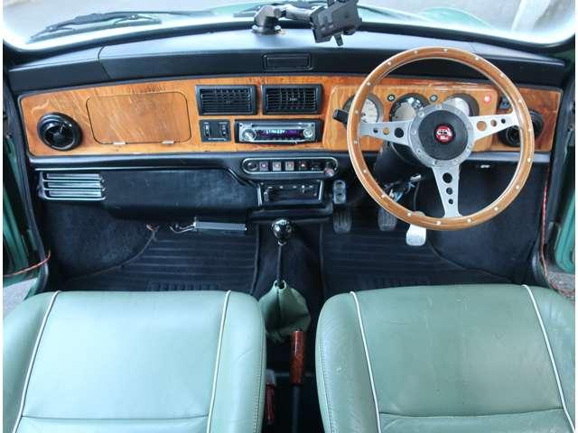 マニュアル車、ETC、シガーソケット等カスタム多数あります