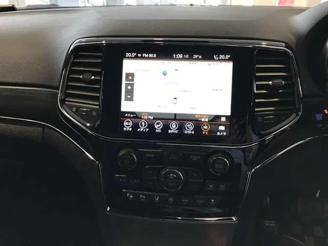 8.4インチの大画面純正ナビ。Applecarplay、androidautoも使用可能。先進テクノロジーといわれるUconnectも搭載しております。