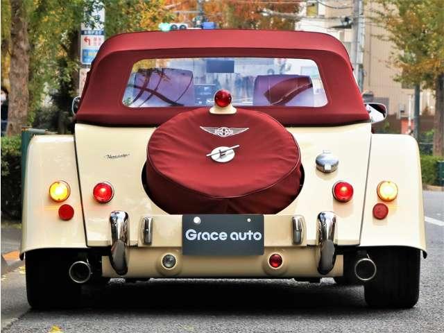 110 Edition Anniversary・記念刺繍・記念エンブレム・赤幌 ・赤革・ワイヤーホイール・エアコン装備・Moto-Litaステアリング・ウォルナットダッシュボード・アルミパネル・シルバーメッシュグリル・1オーナー・MT車