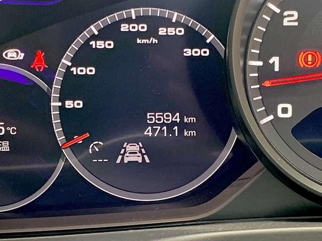 実走行5600kmと低走行となっております。