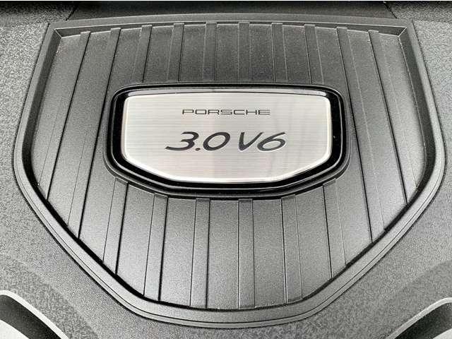 3.0LV6エンジンでパワフルで快適にお乗りいただけます。