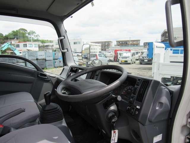 いすゞ エルフ 冷凍バン 2トンロング 4WD 中古車在庫画像9