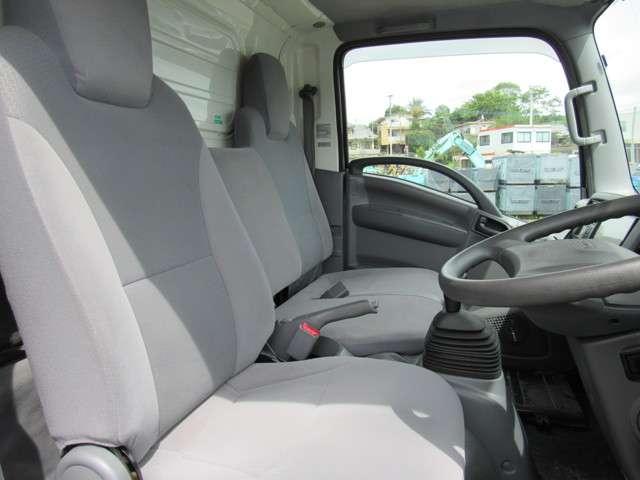 いすゞ エルフ 冷凍バン 2トンロング 4WD 中古車在庫画像10