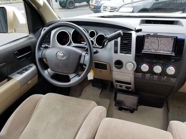 米国トヨタ タンドラ ダブルキャブ SR5 5.7 V8 中古車在庫画像3