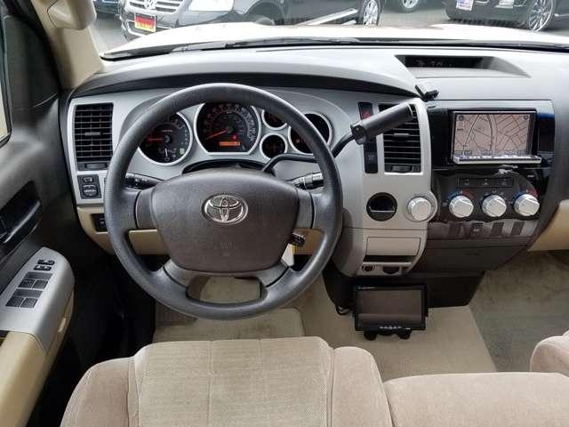 米国トヨタ タンドラ ダブルキャブ SR5 5.7 V8 中古車在庫画像9