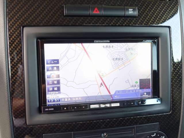カロッツエリア製HDD地デジナビゲーション装備。CDを入れれば自動録音可能なミュージックサーバー機能にDVD再生可能モデル。地デジフルセグチューナーも内蔵し走行中のテレビの視聴も可能となります