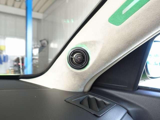 マフラー/専用刺繍入りシート/高額オーディオカスタム車両/高額スピーカー加工取付/シートヒーター/Volantエアクリーナー/クルーズコントロール/ブルードアミラーレンズ/限定車/カーボン調インテリア